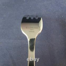 Lenox Brookfield 18/10 Acier Inoxydable 82pc. Flatware Set (service Pour Douze)